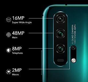 FIRE KAMERA BAK: Verdens mest lyssterke hovedkameraet, ultravidvinkel, tele og et ekstra makro-kamera. Foto: Huawei