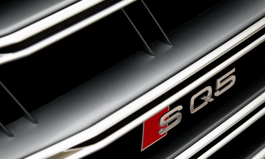 SEKS: Ønsker du deilig sekserlyd i Q5 har du kun dette alternativet. Her får du attpåtil lyden av V8-bensin på kjøpet. I hvert fall hvis du står bak bilen. Foto: Rune M. Nesheim