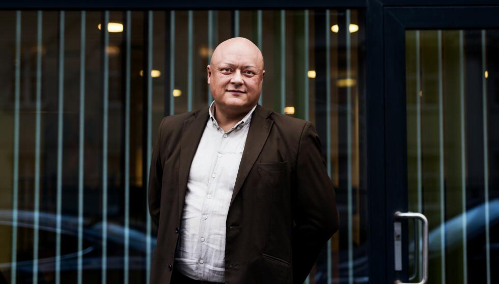 KUNDENE SKAL IKKE STRAFFES: Jorge Jensen i Forbrukerrådet slår fast at kundene selvsagt ikke skal betale strafferenter for eventuelle overtrekk som skyldes de tekniske problemene. Foto: John Trygve Tollefsen.
