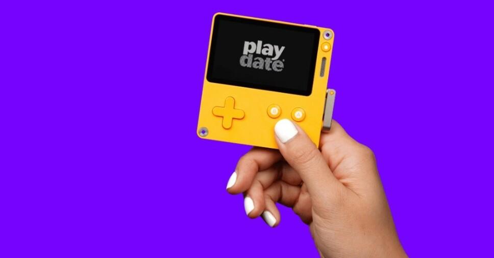 NY KONSOLL: Playdate ser ut til å ta opp arven etter de gamle Gameboy-konsollene - til og med uten fargeskjerm. Foto: Panic