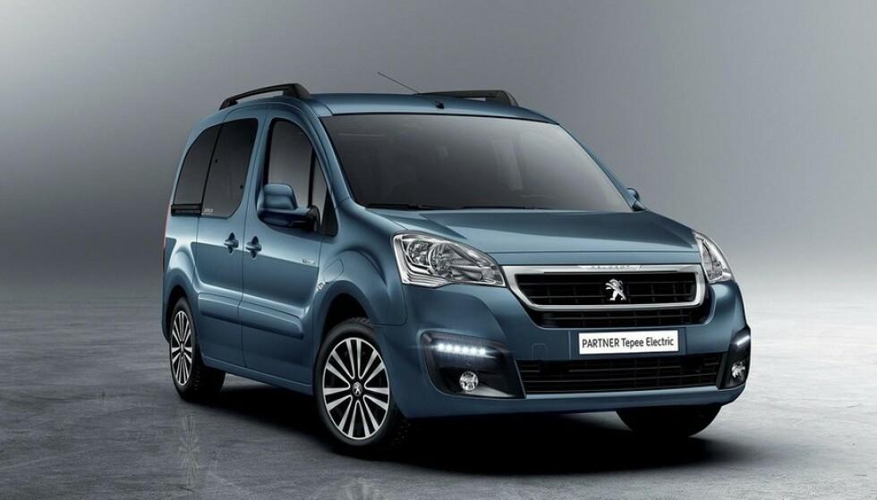 FOR STORE FAMILIER: Til og med for en familie, med barn og behov for stort bagasjerom, finnes det rimelige elbiler - som Peugeot Partner Tepee. Foto Peugeot