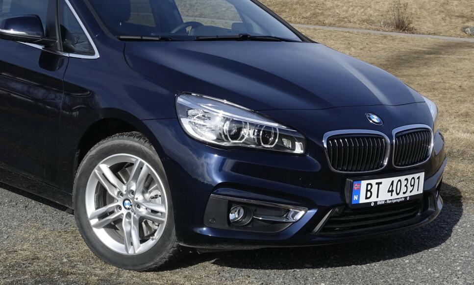 OPPGRADERES: BMWs norgesfavoritt skal gå mer enn 25 prosent lengre, med det nye batteriet som nå er lansert. Foto: Rune M. Nesheim