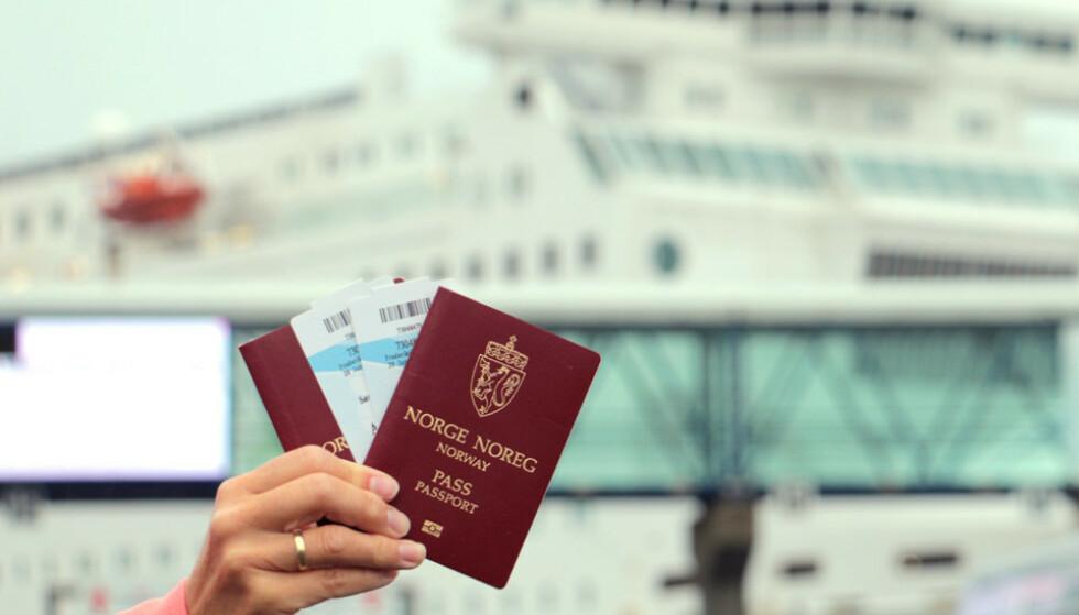 ANBEFALER PASS: Politiet anbefaler at du har med pass på alle utenlandsreiser. Foto: Berit B. Njarga