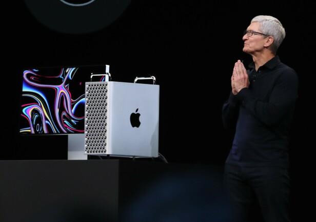 RIVJERN AV EN MASKIN: På Twitter morer de seg allerede med utseendet på nye Mac Pro. Foto: Justin Sullivan/AFP Photo/NTB Scanpix