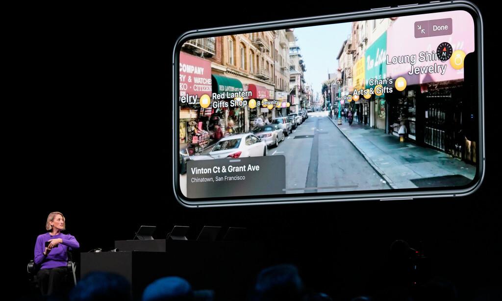 NYE KART: Apples Kart-app får en solid overhaling i iOS 13. Her kan du se den nye Street View-lignende funksjonen med 360-graders bilder av hvor du befinner deg. Foto: Mason Trinca/Reuters/NTB Scanpix