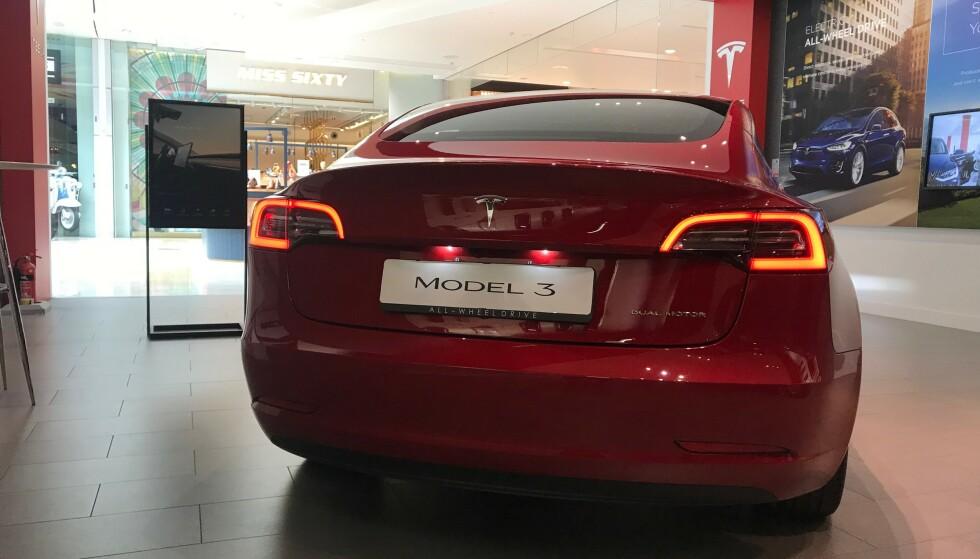 <strong>BILSALGET I MAI 2019:</strong> Tesla og Model 3 leder fortsatt registreringsstatistikken så langt i 2019, men i mai tar både Volkswagen og spesielt Toyota et stort jafs innpå i toppen av <i>tabellen</i>. Foto: Øystein B. Fossum