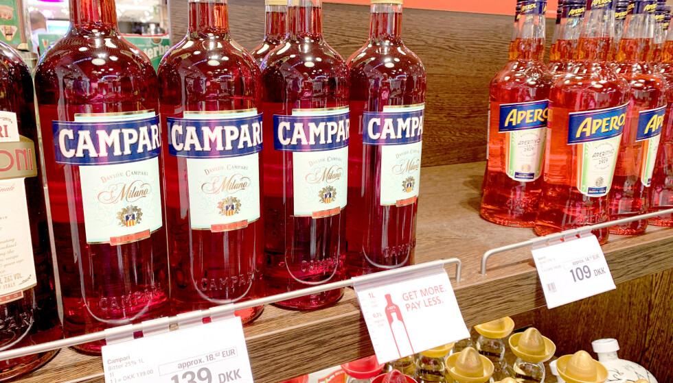 MYE Å SPARE: Campari bitter koster 63 kroner mindre på Oslo lufthavn, enn på Kastrup. Foto: Kristin Sørdal