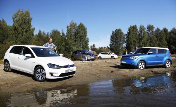 ELBIL-FAVORITTER: Av disse fire elbilene er det e-Golf som stikker av med seieren. Den gir rett og slett mest bil for penga. Foto: Espen Stensrud