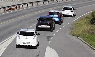 KOLLEKTIV-TOG: Alle disse fire bilene er kjente syn i kollektivfeltet. Foto: Espen Stensrud