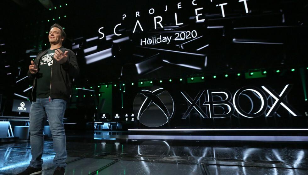NY KONSOLL: Xbox-sjef Phil Spencer annonserte «Project Scarlett» som er kodenavnet på den neste Xbox-konsollen. Foto: Microsoft