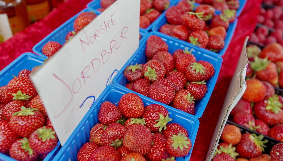 SMAK AV SOMMER: Du kan finne norske jordbær i flere dagligvarebutikker og spesialforretninger. Foto: Stian Lysberg Solum/NTB Scanpix.