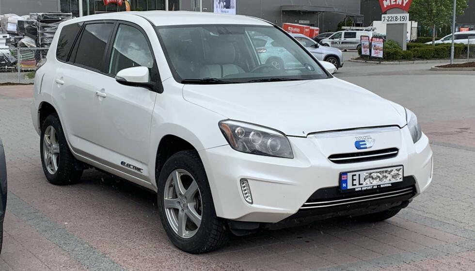 EL-SUV: Blant de tallrike modellene Toyota er i ferd med å utvikle, kommer blant annet en større etterfølger til den første elektriske RAV4 (bildet), som det er blitt registrert en del av i Norge de siste par årene - bruktimportert fra utlandet. Foto: Bjørn Eirik Loftås