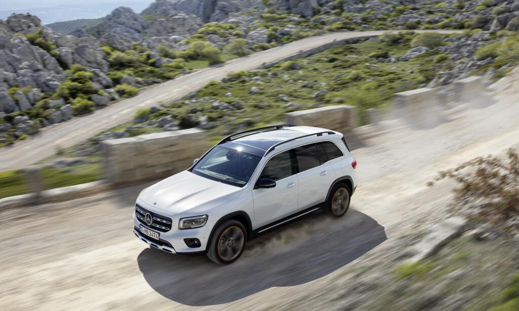 RØFF I KANTENE: Nye Mercedes-Benz GLB kommer til Norge til høsten, og kompletterer dermed Mercedes' SUV-utvalg - med en litt annerledes vri. Foto: Daimler AG