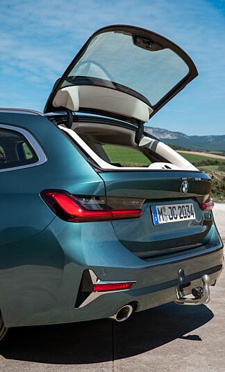 PRAKTISK: Den separat åpnende bakruten er en kjekkBMW-løsning. Foto: BMW