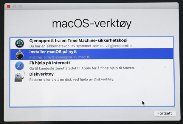 SVÆRT NYTTIG: Fra dette verktøyet har du en rekke hjelpemidler dersom du får problemer med Mac-en din. Du kan gjenopprette fra sikkerhetskopi, installere macOS på nytt eller formatere harddisken. Foto: Kirsti Østvang