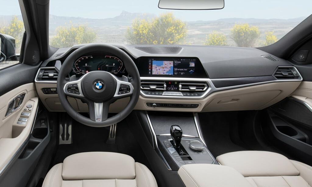 TYPISK: Førermiljøet er som i sedanen, der vi faktisk savnet lesbarheten til instrumentpanelet fra forgjengeren. Men resten er en klar forbedring. Foto: BMW