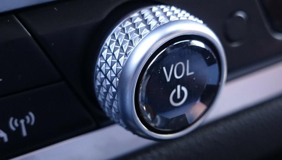 """BLING: """"Diamantfinish"""" er inn hos mange bilprodusenter i dag. Foto: Rune M. Nesheim"""