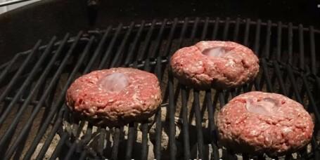 Blir burgeren tørr på grillen?