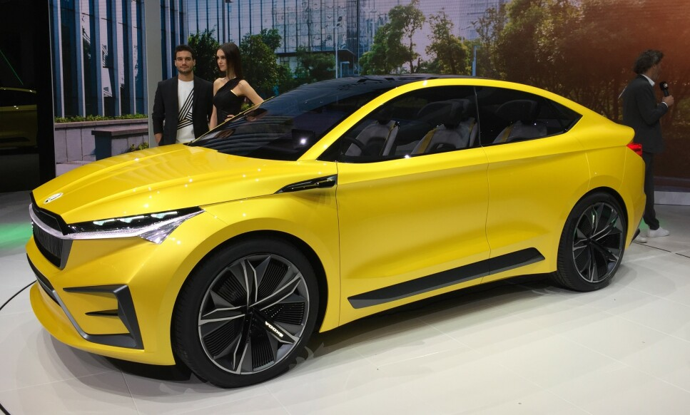 PRODUKSJONSKLAR: Skodas nye elektriske familie-SUV blir nesten helt lik konseptbilen Vision iV, som ble vist på Genève-utstillingen i for tre måneder siden. Foto: Rune Korsvoll