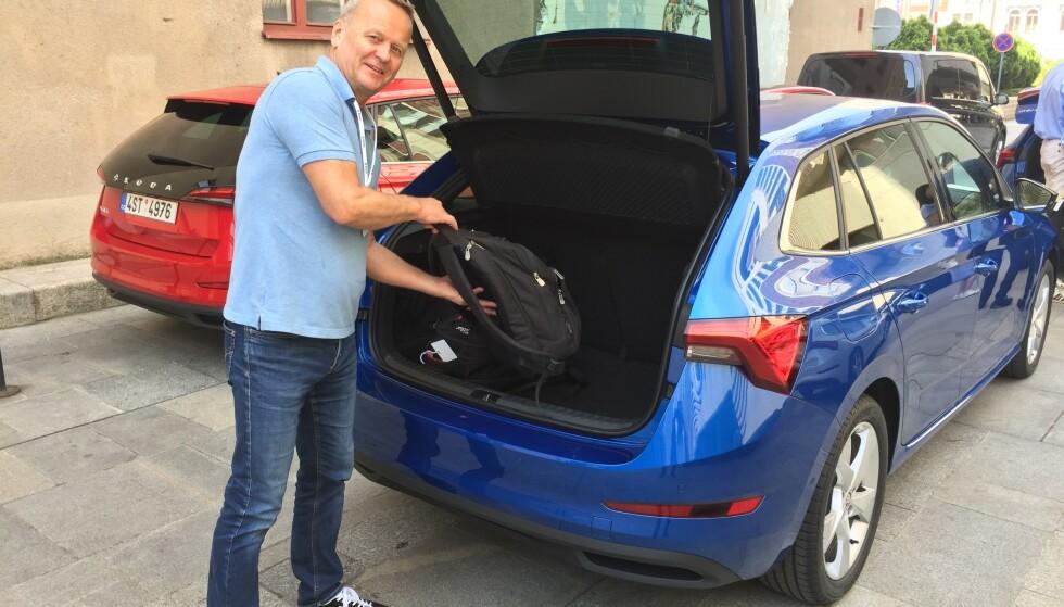 PRAKTISK: Scala er den mest praktisk bilen i kompakt-klassen, med et bagasjerom som er betydelig større enn VW Golf. Foto: Velimatti Honkanen