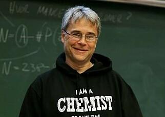 KJEMIKER: Tore Skodvin, førsteamanuensis ved Kjemisk Institutt på Universitetet i Bergen. Foto: UIB.
