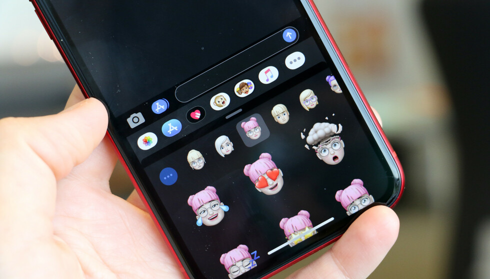 MØRK MODUS: En av de store nyhetene i iOS 13 er at du kan få mørkt utseende på brukergrensesnittet. Foto: Kirsti Østvang