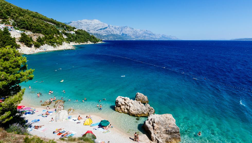 IKKE FOR SENT: Drømmer du om en hvit strand på den kroatiske kysten, er nok en restplass til Split det beste valget. Det er mulig å få restplasser hit fra både Bergen og Trondheim. Foto: Shutterstock/NTB Scanpix.