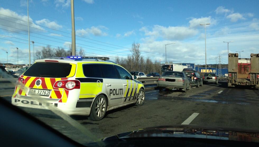 NULLVISJON: Statens vegvesen har en nullvisjon når det gjelder antall drepte i ulykker på norske veier. I 2029 skal ikke flere enn 350 bli drept eller hardt skadet. Det er det første målet. Foto: Rune Korsvoll