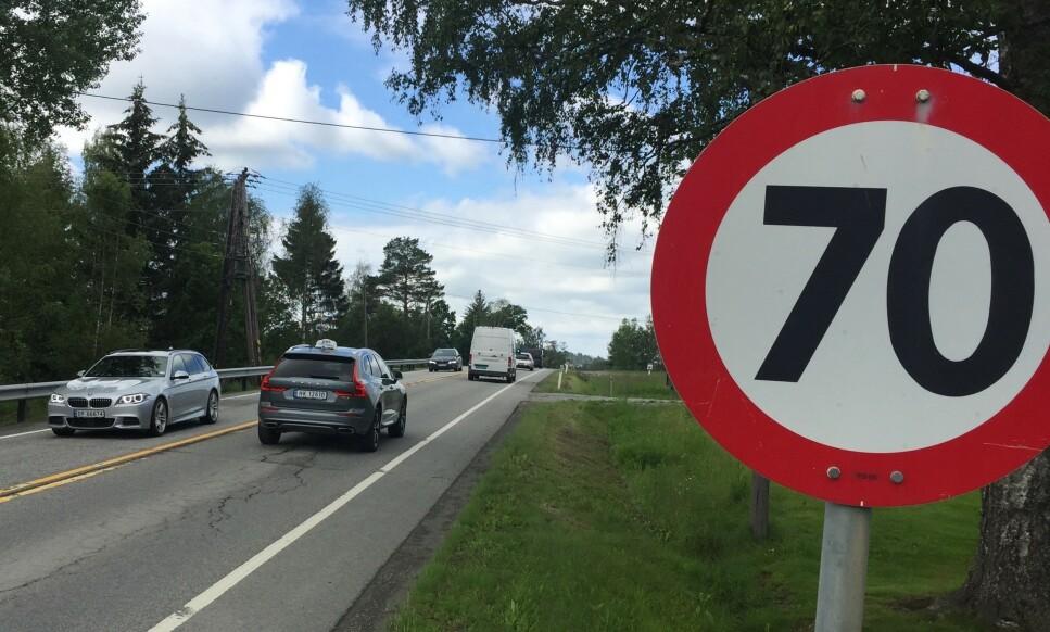 REDDER LIV: Dersom fartsgrensene senkes fra 80 til 70 og fra 50 til 40, vil det kunne spare mellom 20 og 35 liv og gi opp mot 135 færre hardt skadde, ifølge Transportøkonomisk institutt. Foto: Rune Korsvoll