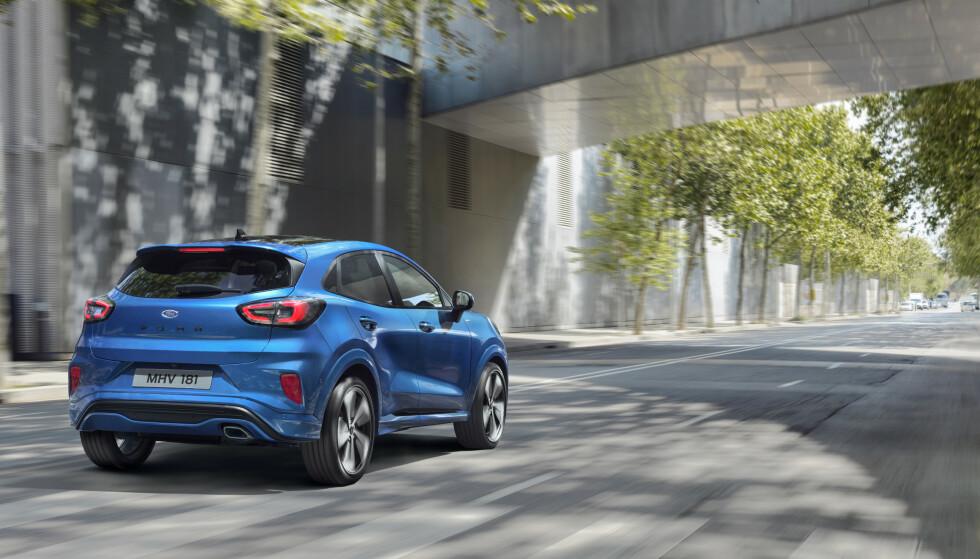 ELBIL-KONKURRENTER: Ford Puma får tøff konkurranse av elbiler som Hyundai Kona Electric og Peugeot e-2008. Foto: Ford