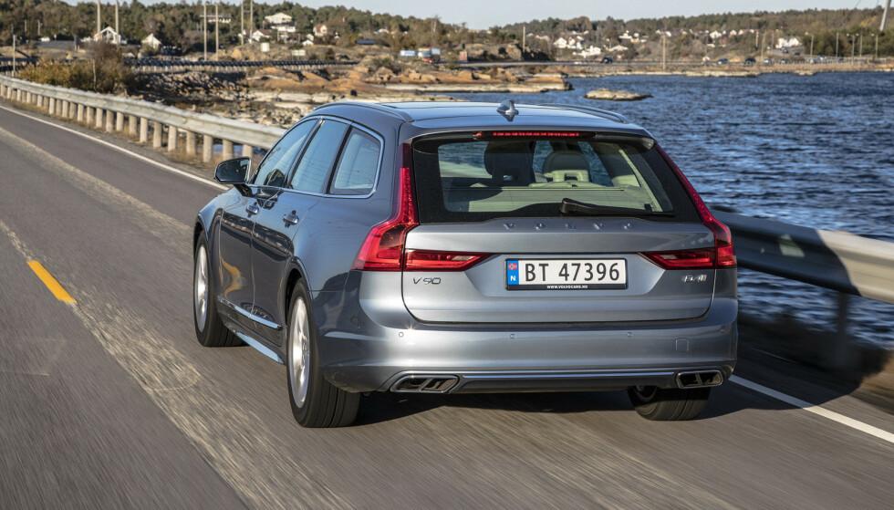 GÅR MOT SLUTTEN: Ifølge svenske Mestmotor vurderes det nå internt i Volvo å avvikle den populære stasjonsvogna V90. Foto: Morten Eik