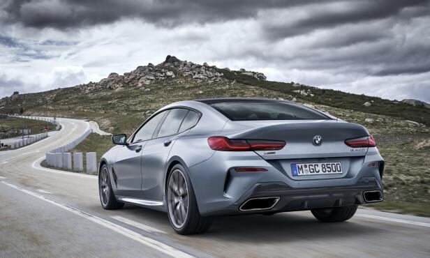 BREDDEGRAD: Dette er den bredeste rumpa BMW kan tilby. Sporvidden er 28 mm bredere enn kupé- og kabriolet-utgavene. Foto: BMW