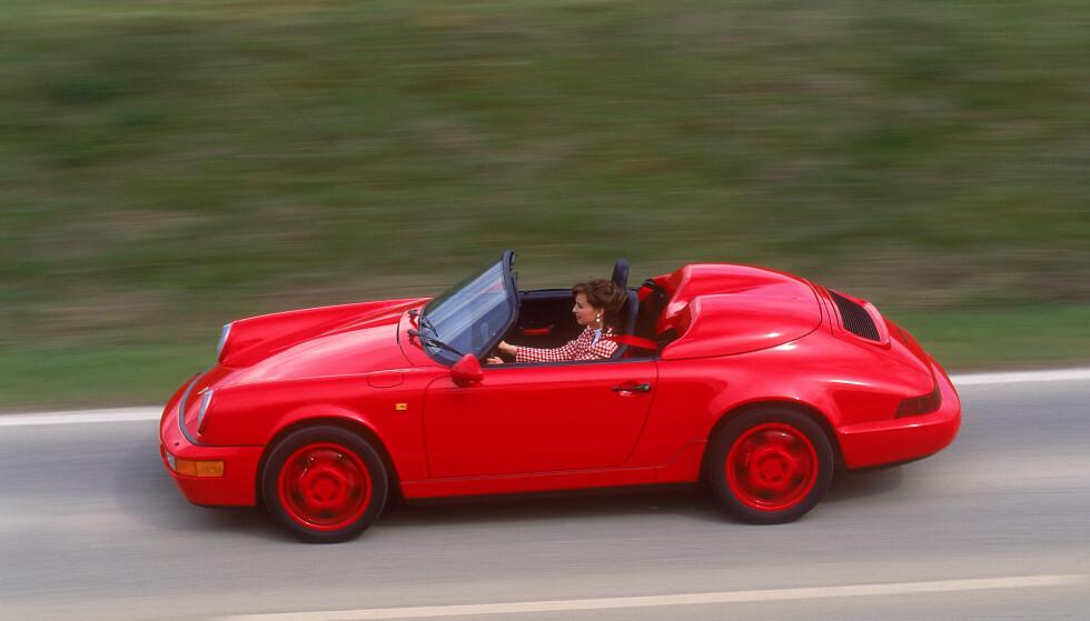 IKKE MYE Å SPARE?: Eksperter på Porsche i Norge tror ikke det blir veldig mye å spare, siden prisen på modeller fra 1990-tallet allerede er ganske lav i Norge, sammenliknet med Tyskland. Foto: Porsche