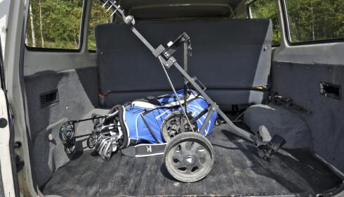 Golftrallen kan faktisk transporteres STÅENDE!