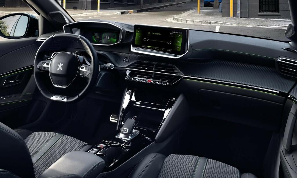 INTERIØR: Slik ser nye Peugeot e-208 ut innvendig. Foto: Peugeot