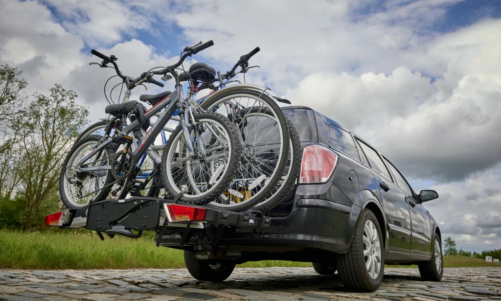BEST I TEST: Thules Easy Fold XT3 er klart best i NAF og Testfaktas test av sykkelstativ til hengerfeste. Det er også det klart dyreste. Foto: NAF