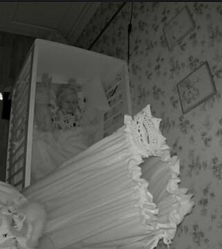 NATTMODUS: Når mørket faller på, har kameraet også IR-støtte slik at du kan se i mørket. Her er det nesten sort i rommet. Foto: Pål Joakim Pollen