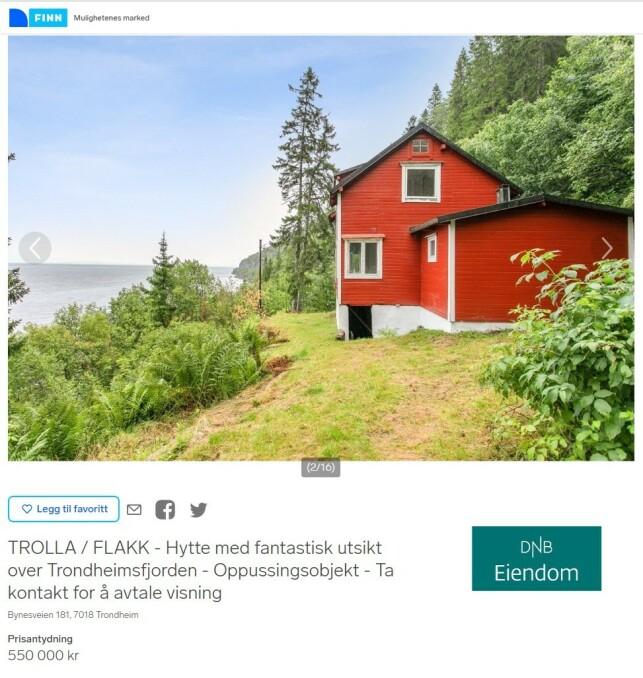 VED SJØEN: Denne hytta ligger enda nærmere sjøen, nærmere bestemt Trondheimsfjorden. Størrelsen er 62 kvadratmeter, og hytta er listet som oppussingsobjekt. Prisantydningen ligger også her på 550.000 kroner. Faksimile: Finn.no
