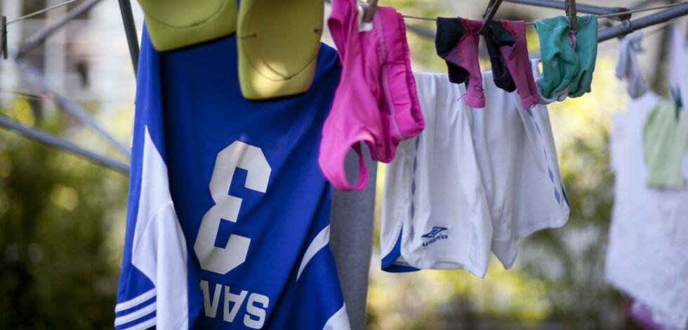 image: Er det ulovlig å henge ut klær til tørk på en søndag?