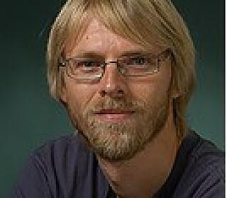 BEKYMRET: Hallvard Elven som er forsker ved Naturhistorisk Museum i Oslo, er bekymret for utviklingen av insektene. Foto: UiO: Natuhistorisk Museum