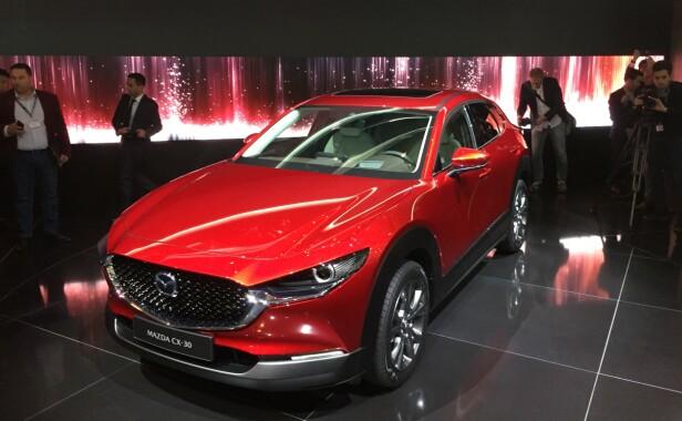 SELVTENNENDE DIESEL: SUV-en Mazda CX-30. Foto: Mazda