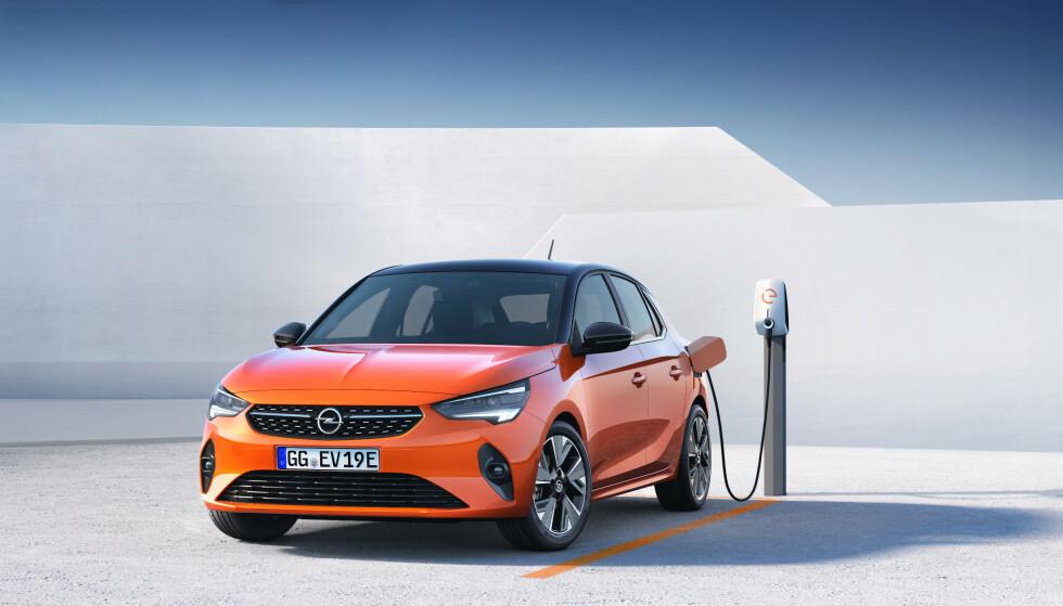 BENSIN FØRST: Først til neste år kommer den etterlengtede elbilen Corsa-e fra Opel. Foto: Opel
