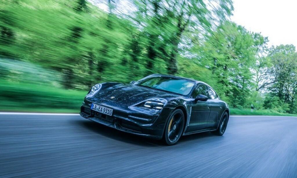 KØ FOR MILLIONBIL: 2.600 nordmenn venter på Porsche Taycan. Foto: Porsche