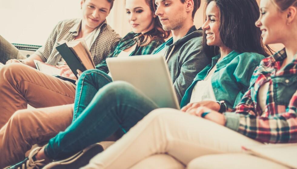 STUDENTØKONOMI: De fleste må låne penger for å ha råd til å studere. Da er det lurt å søke så tidlig som mulig. Foto: Shutterstock/NTB Scanpix.