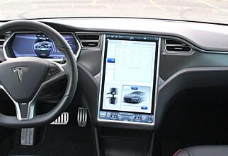 Snart kan du strømme Netflix og YouTube i Tesla