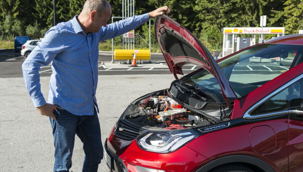 NY FORSKNING: Om forskerne får det til, vil elmotoren bli lettere i framtida. Det kan igjen gi lengre rekkevidde. Foto: Jamieson Pothecary