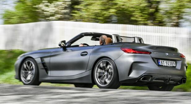 KANTETE: Z4 har alltid vært noe for seg selv designmessig. Det er den fortsatt. Men den kjører likefullt som en ekte BMW, og det er absolutt diggbart. Foto: Jamieson Pothecary