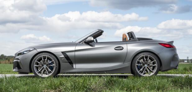 EGEN STIL: Z4 mangler klassiske sportsbillinjer, som for eksempel Jaguar F-Type og er den eneste BMW i dag med «stående» frontlykter. Foto: Jamieson Pothecary