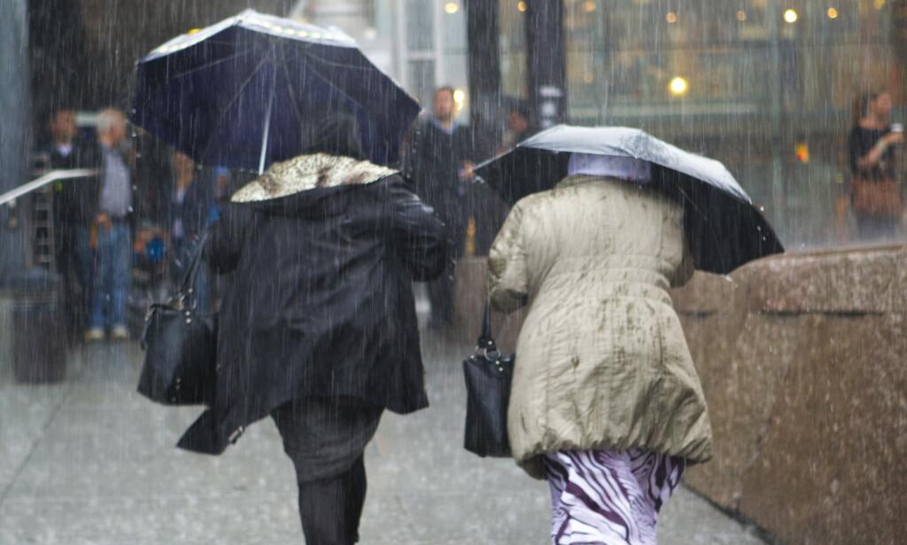 FAREVARSEL: Bor du i Agder eller Telemark, bør du forberede deg på mye nedbør. Foto: Berit Roald/NTB Scanpix