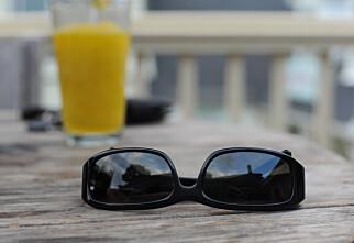 Hans (50) glemte solbriller på syden-tur:Må betale over 1300 kroner for retur